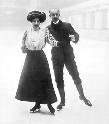 На фоне Панина-Коломенкина британские спортсмены Эгар и Мэдж Сайерс — образчики викторианской консервативности. Сайерс, к слову, принадлежит уникальное достижение: в рамках одних игр она завоевала медали и в парном, и в одиночном зачетах.