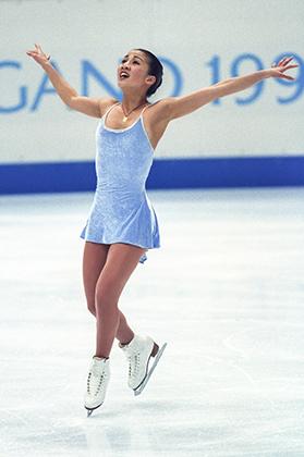 Мишель Кван так и не стала Олимпйской чемпионкой, хотя и доминировала в спорте в конце 1990-х — начале 2000-х годов. В США Кван стала символом фигурного катания, женственности и элегантности этого вида спорта. Во многом благодаря платьям от Веры Вонг.