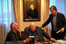 Западный мир продолжает завороженно всматриваться в фигуру последнего президента СССР (Горбачев при этом остается для иностранцев прежде всего символом примирения в холодной войне — даже на фоне ее возвращения). Заинтересованность в фигуре вождя перестройки зрителя российского — вопрос более спорный, но на руку документалке, удостоенной чести закрывать ММКФ, играет личность интервьюера — с Горбачевым здесь разговаривает великий режиссер, провокатор, живчик и человек-мем Вернер Херцог. А значит, вопросы звучат как минимум не банальные.
