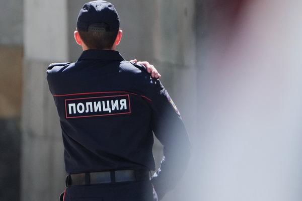 Московские полицейские поймали двоих мужчин со скелетом в сумке