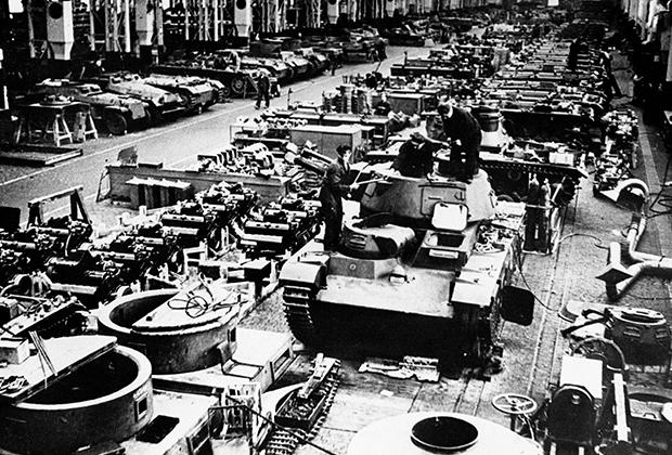 Немецкая фабрика по производству танков