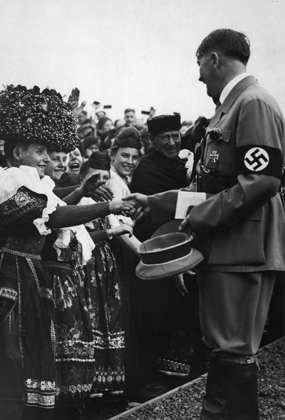 Гитлер на празднике урожая в городке Бюккебург