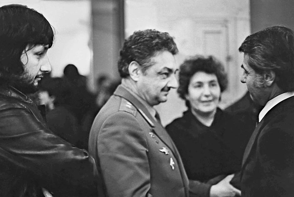 Стас с родителями и Дживан Гаспарян, 1978 год