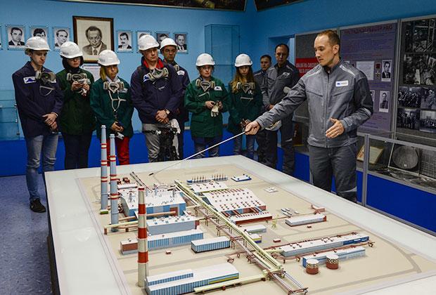Экскурсия в музее Надеждинского металлургического завода горно-металлургической компании «Норильский никель»