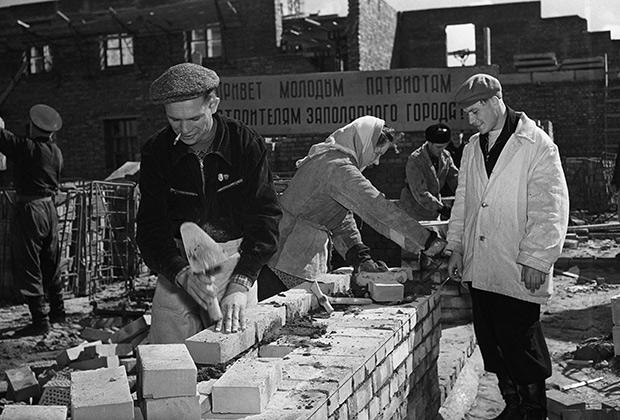 На строительстве заполярного города Норильска, 1956 год
