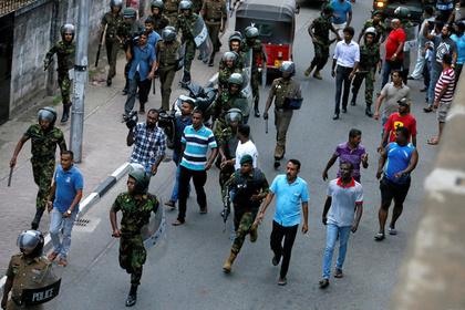 Шри-Ланка: погибли неменее  300 человек, около 500 ранены