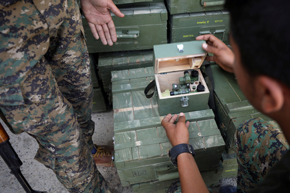 Российские военные нашли склад боеприпасов и танк по карте сирийских боевиков
