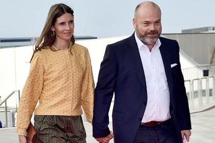 Андерс Холх Повлсен с женой