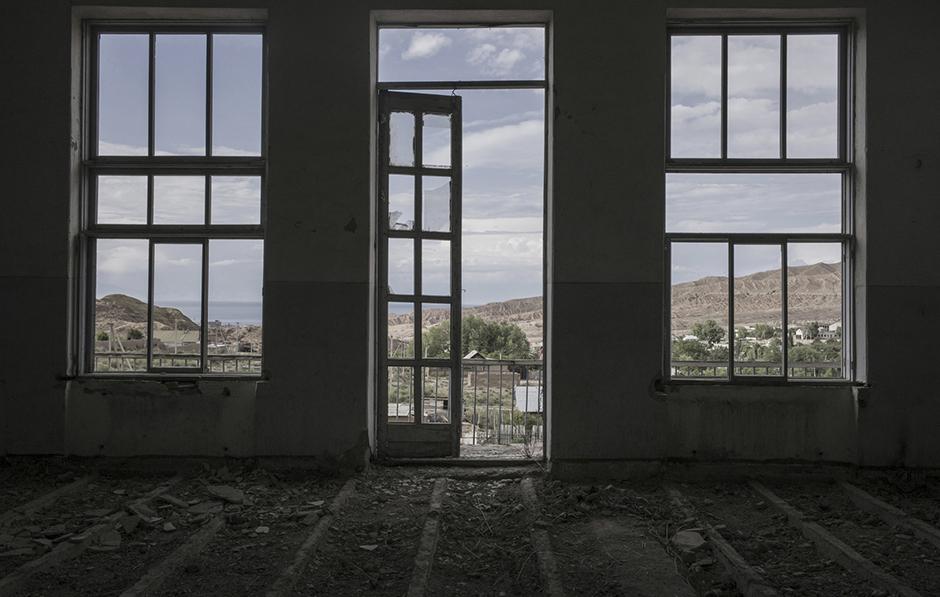 Вид на поселок из заброшенного здания