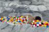 Одна из причин, по которым искусство Доржиева (бурятский художник, к слову, при всем демонстративном пренебрежении к авторитетам, удостоился уже десятков персональных выставок в музеях по всему миру — включая Третьяковку) как будто неподвластно категоризации (а значит, и обесцениванию через упрощение) — единство, симбиоз идей бурята и его подхода к искусству. Так его восхищение перед миграциями народов отражается той миграцией образов, сюжетов и техник, которая составляет основу его картин.