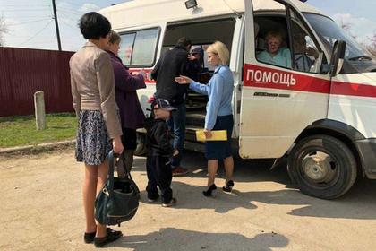 Россиянка бросила голодных детей в грязной квартире с оголенными проводами