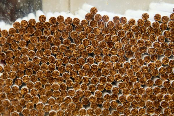 Названы самые подделываемые сигареты России