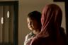 24-летняя Алия попала в ИГ совершенно иначе. В Индонезии она росла в консервативной мусульманской семье, однако сама особо традиций не придерживалась. «Ударилась» в религию девушка после того, как ее бросил молодой человек. А для того, чтобы наверстать упущенное, она обратилась именно к радикальным идеям. <br></br> Алия рассказала, что верила в реальность «халифата». Отправилась она в Сирию по простой причине: «Они говорили, что когда вы совершаете хиджру (переселяетесь), все ваши грехи очищаются». <br></br> В 2015-м девушка добралась из Индонезии в Турцию. Там она вышла замуж за алжирца, который тоже намеревался присоединиться к ИГ. У мужчины были сомнения, однако Алия настояла, и они перебрались в Ракку, которая считалась неофициальной столицей «Исламского государства». В феврале 2017-го у них родился сын Яхья.