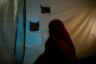 «Я ненавижу их. Они обещали нам рай, но посадили в тюрьму, — рассказала 31-летняя Самира из Бельгии. — Они убивают невинных людей. Все, что они делают, идет не из ислама».  <br></br> Женщина — еще одна из тех, кто желает вернуться к старой жизни. Она в молодости активно «тусовалась», пила алкоголь и обратилась к религии, когда решила изменить свою жизнь. В итоге Самира поверила в пропаганду, согласно которой Европа никогда не примет мусульман, и только в «халифате» можно стать достойным последователем. «Это было очень глупо, я знаю», — отметила она.