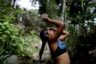 «Бывало, приходилось по две-три недели ходить с грязной головой», — рассказывает Диас, вспоминая о нехватке воды из-за массового отключения электричества.