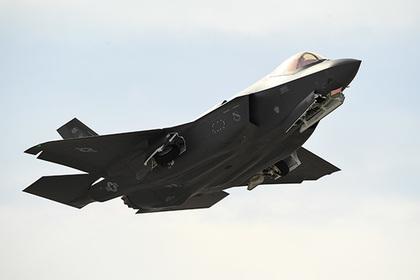 В Японии заговорили о «взломе» F-35A и F-22