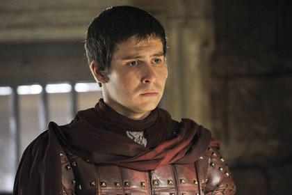 Актер из «Игры престолов» пожаловался на домогательства бабушек