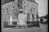 Казармы и военный мемориал в городе Стене. Франция, 1944 год.