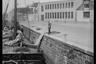 Лодки в обмелевшем канале города Берген-оп-Зом. Нидерланды, 1944 год.