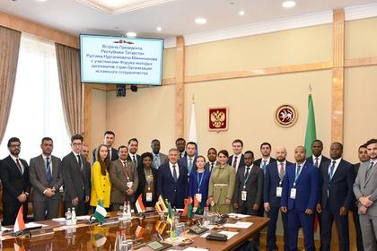 В Казани стартовал Форум молодых дипломатов стран исламского сотрудничества
