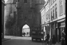 Средневековые городские ворота — одна из главных достопримечательностей города Берген-оп-Зом. Нидерланды, 1944 год.