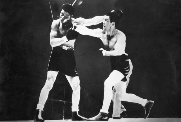 Первый бой Луиса (слева) и Шмелинга