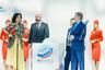 Генеральный директор «Аэрофлота» Виталий Савельев поздравляет номинантов.