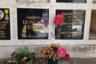 У наследников танцовщицы Айседоры Дункан не хватило денег на «полноценную» могилу. Прах бывшей жены русского поэта Есенина, нелепо погибшей от удушения собственным шарфом в открытом автомобиле на Лазурном Берегу, захоронен в нише колумбария, недалеко от урны с прахом знаменитого анархиста и бандита времен Гражданской войны Нестора (Батьки) Махно, умершего в Париже от болезни в середине 1930-х годов. У ниши с прахом Айседоры поклонники иногда оставляют балетные пуанты, хотя известно, что она исповедовала «свободный танец» и танцевала босоногой.