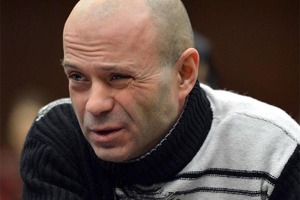 Участнику убийства Политковской потребовали отказать в УДО из-за бирки