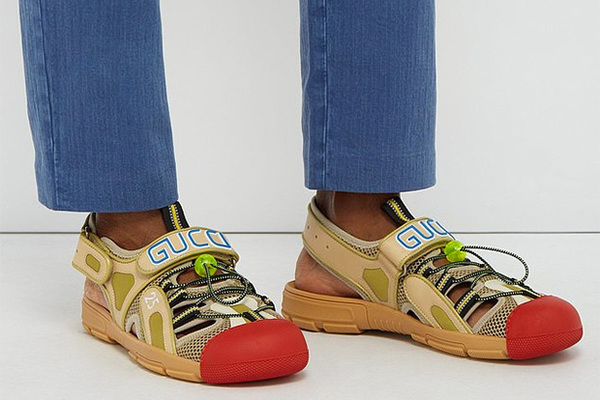fa9d15f4 Gucci высмеяли за «клоунские ботинки» за 700 евро: Стиль: Ценности: Lenta.ru