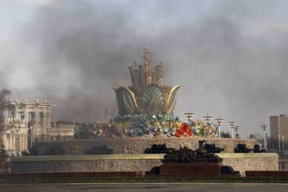 В Москве загорелся отреставрированный за миллиард рублей фонтан