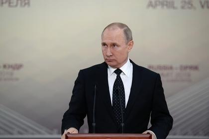 Путин распорядился отнимать землю у нарушителей пожарной безопасности