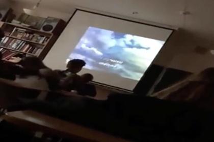Педагог - огонь! Школьники науроке музыки поют «Владимирский централ»