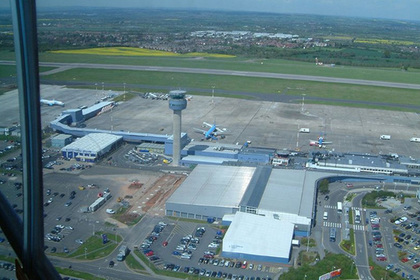 Два самолета столкнулись в английском аэропорту