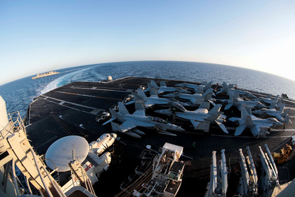 США пригрозили Ирану авианосцем