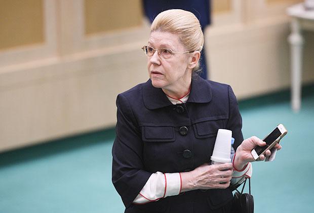 Елена Мизулина на заседании Совета Федерации РФ