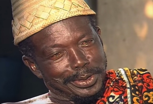 Один из жрецов, поддерживающих практику «трокоси»