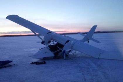 В Мурманской области самолет провалился под лед