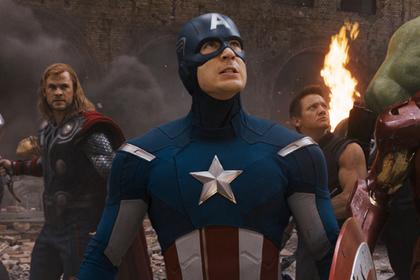 Сценаристы «Мстителей» объяснили появление шуток про ягодицы Капитана Америки