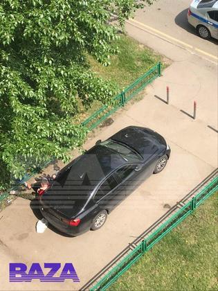 Емельяненко перед задержанием сидел на асфальте с бутылкой