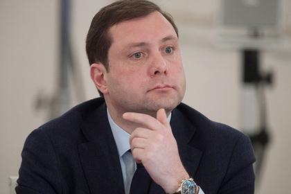 Губернатор назвал россиянку шизоидной дурой и заявил о взломе