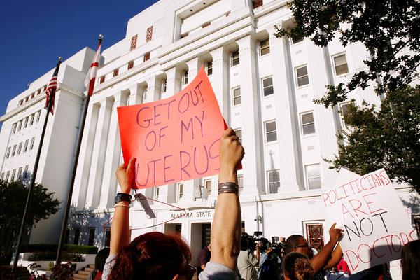 Image result for В Алабаме проголосовали за жесточайший запрет абортов