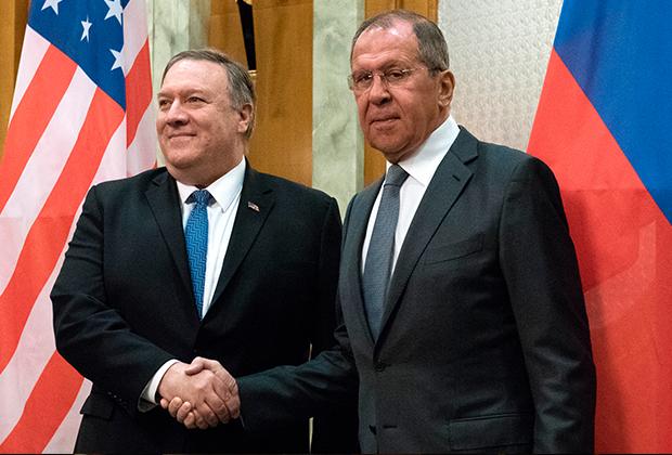 Министр иностранных дел РФ Сергей Лавров и госсекретарь США Майк Помпео во время встречи в Сочи