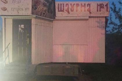 Россиянин вез ларек с шаурмой в грузовике и парализовал движение