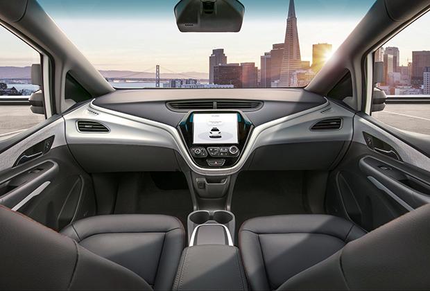 Крупнейший американский концерн GM уже представил прототип автомобиля без руля и педалей. По мнению специалистов компании, в будущем их можно будет заказывать в качестве опции.