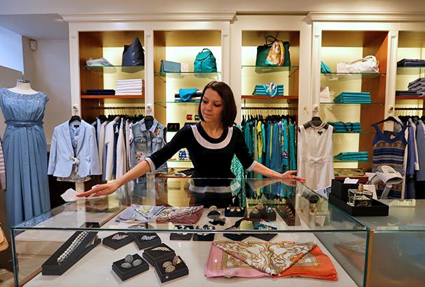 Покупать одежду люксовых брендов через интернет больше всего готовы в России, Бразилии и Японии. В странах старой Европы по-прежнему со значительным отрывом впереди офлайн-торговля.