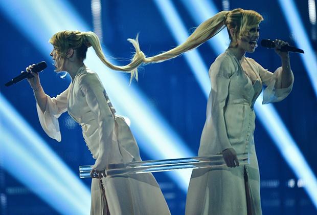 Представительницы России певицы сестры Мария и Анастасия Толмачевы выступают в финале 59-го международного конкурса песни «Евровидение-2014» в Копенгагене