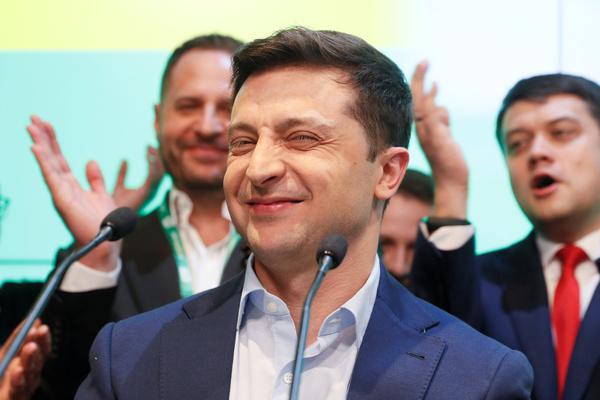 Зеленского отговорили от заигрываний с Москвой
