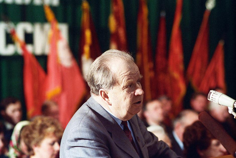 Председатель колхоза «Советская Белоруссия» дважды Герой Социалистического Труда Владимир Бедуля