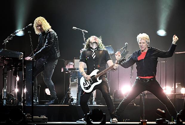 Март 2018 года. Лас-Вегас. Bon Jovi (слева направо): Дэвид Брайан, Фил Икс и Джон Бон Джови